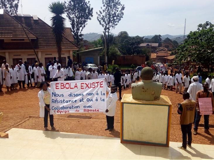 Photo Medécins dans la rue à butembo